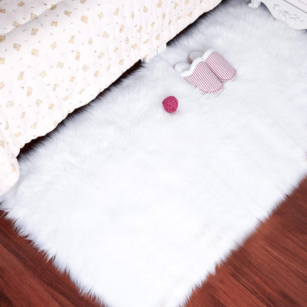 Faux Sheepskin Rug by LOCHAS