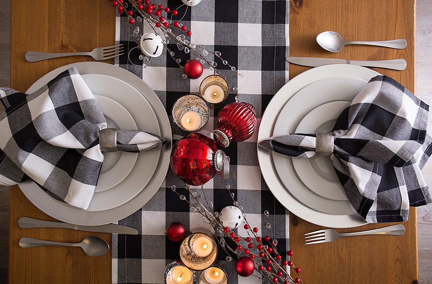 A Classic Table Runner