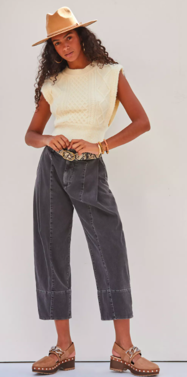Pleated Straight Jeans