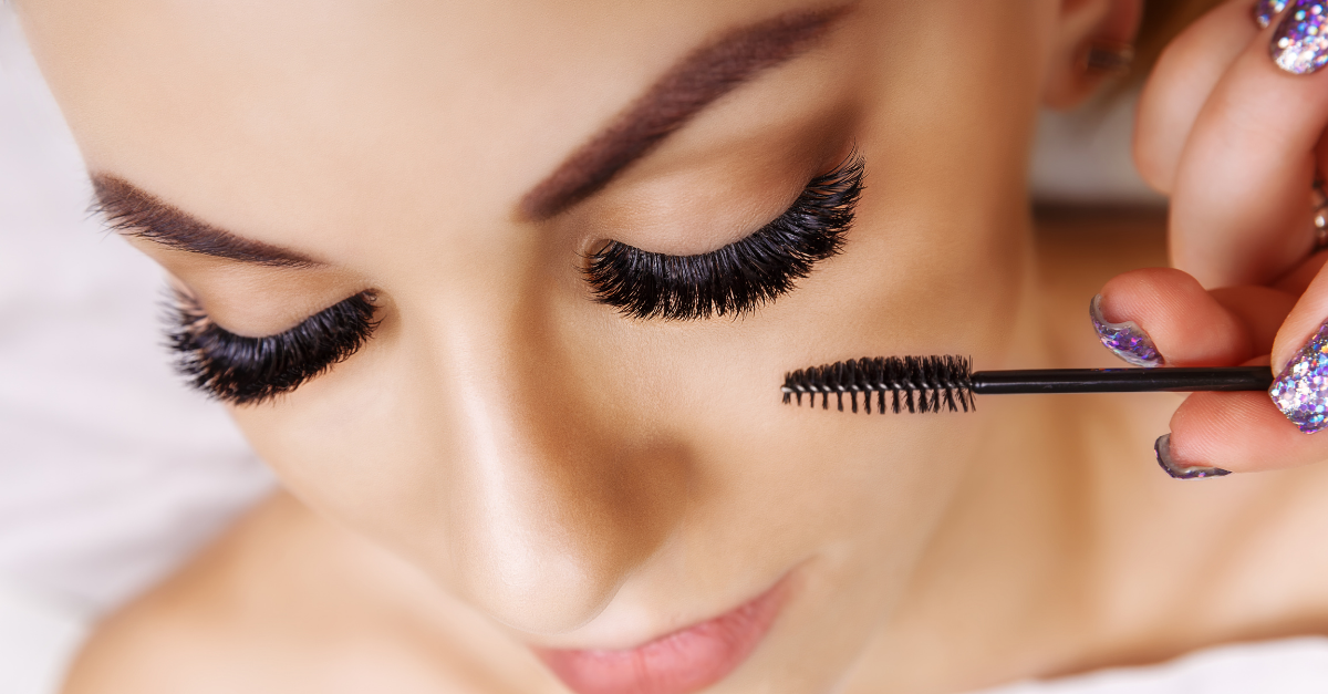 Clear Mascara To Strengthen Your Lashes